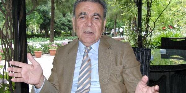 Kocaoğlu, Izmir Valisi Ve Bürokrati Topa Tuttu