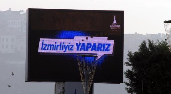 Kocaoğlu'nun Yeni Slogani: Izmirliyiz Yapariz