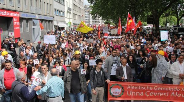 Köln'de Erdoğan'ı Protesto Edecek Gruplar Yürüyüşe Başladı