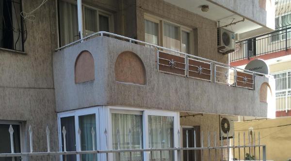 Komşuları İpten Alırken 2'nci Kattan Düştü