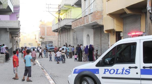 Komşuların Sokağa 'çöp Dökme' Tartışmasında Kan Aktı: 4 Yaralı