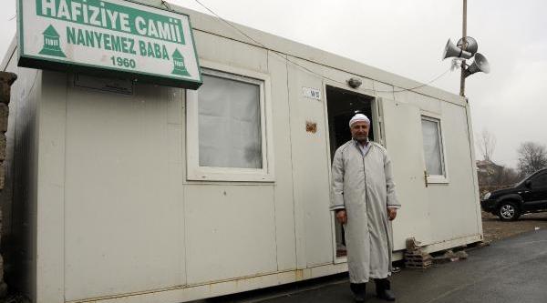 Konteyner Caminin Imami: Cemaatimi Özledim