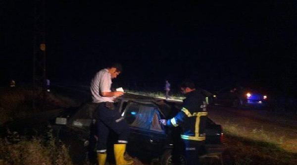 Kontrolden Çikan Otomobilin Sürücüsü Yaralandı