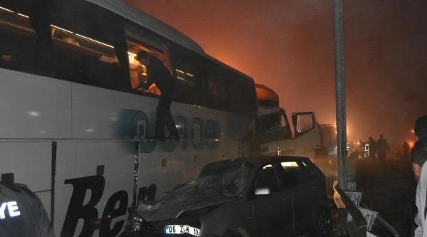 Konya-Ankara Karayolunda Zincirleme Trafik Kazasi (1)