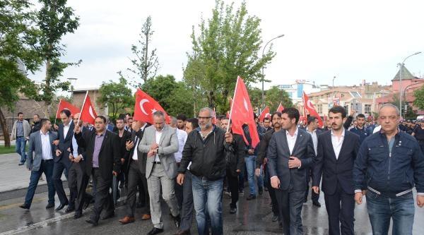 Konya Ve Karaman'da Ülkü Ocaklarından Bayrağa Saygı Yürüyüşü
