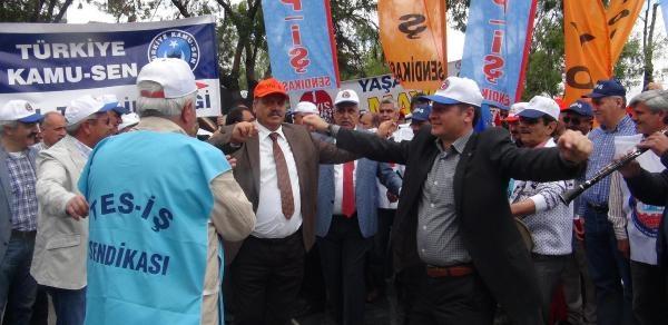 Konya'da 1 Mayıs Kutlandı; 'sorun Gelirin, Hakların, Hukukun Adil Taksimidir'