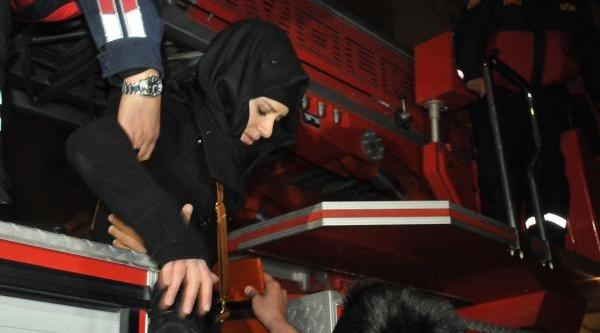 Konya'da 4 Katli Iş Haninda Yangin Paniği