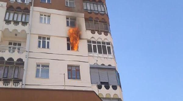 Konya'da Apartmanda Çikan Yangin Paniğe Neden Oldu