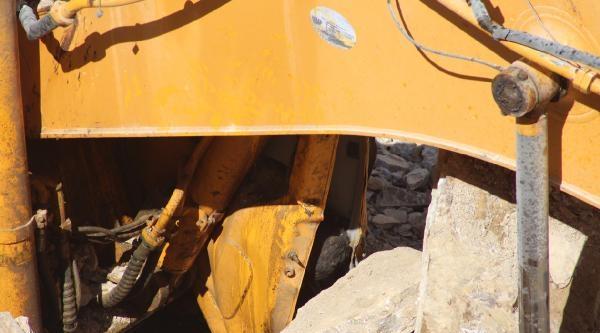 Konya'da Barit Ocağında Toprak Kayması: 1 Ölü, 1 Yaralı (fotoğraflar)