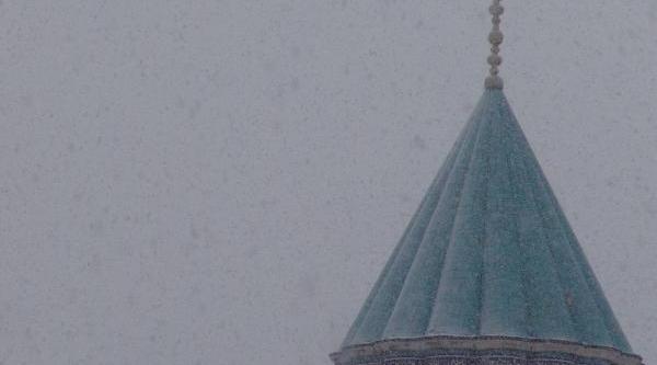Konya'da Kar Yağişi Başladi