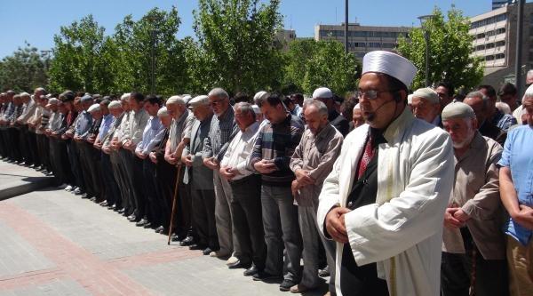 Konya'da Madenciler İçin Gıyabi Cenaze Namazı