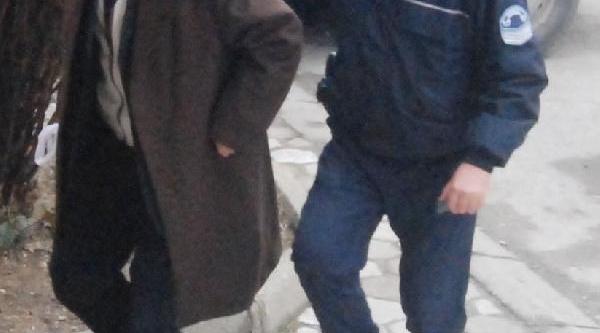 Konya'da Seyyar Saticiya Uyuşturucu Gözaltisi