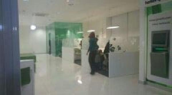 Konya'da Silahli Ve Ayakkabi Kutulu Banka Soygunu