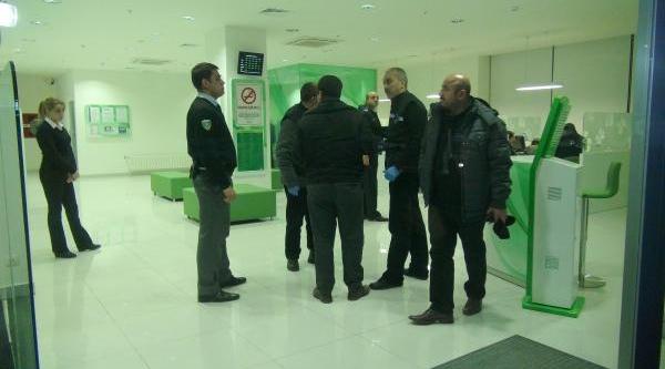 Konya'da Silahli Ve Ayakkabi Kutulu Banka Soygunu - Ek Fotoğraf