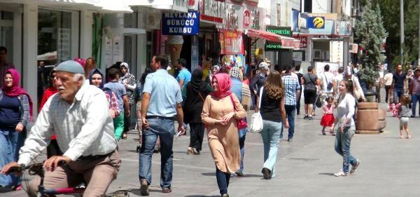 Konyalılar Davutoğlu'nun Başbakan Olmasını Bekliyor
