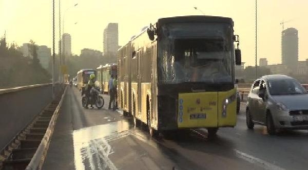Köprüde Metrobüsler Çarpişti