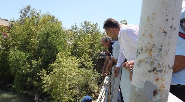 Köprüden Atlayan Genç Kız Ölmek İstedi
