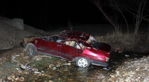 Köprüden Uçan Otomobilde Baba Öldü Çocuklari Yaralı