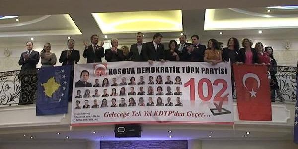 Kosova Başbakani Taçi Türk Kadinlar Matinesinde Halay Çekti