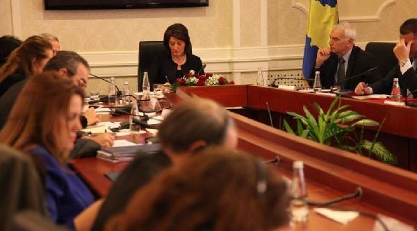 Kosova Cumhurbaşkanı: Savaş Sırasında 20 Bin Kadın, Sırplar'ın Cinsel Saldırısına Uğradı