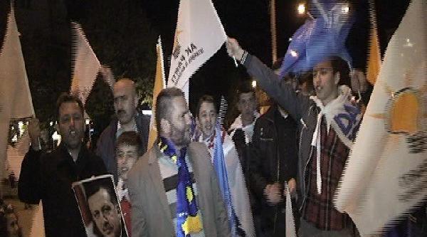 Kosova'da 'akp' İçin Zafer Turu Attılar