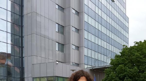 Kosova'da İşsiz Müzisyen 1 Mayıs'ta İş İstedi