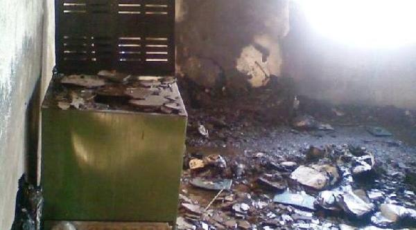 Köy Imaminin 3 Yilda Tamamlanan Lojmani Bir Saatte Kül Oldu