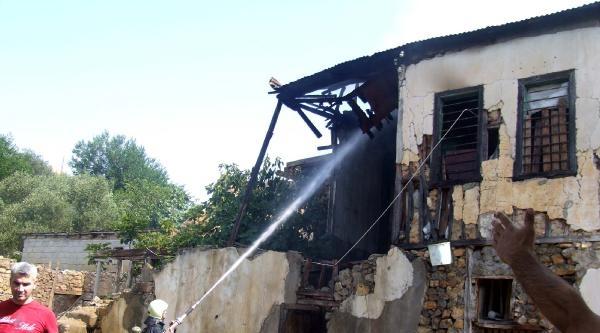 Köy Meydanında Tabancayla Ateş Açtı: 4 Yaralı