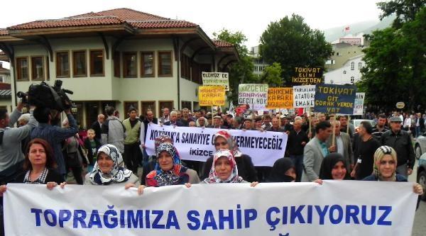 Köylüler Çevre Gününde Şehre İnip Eylem Yaptı