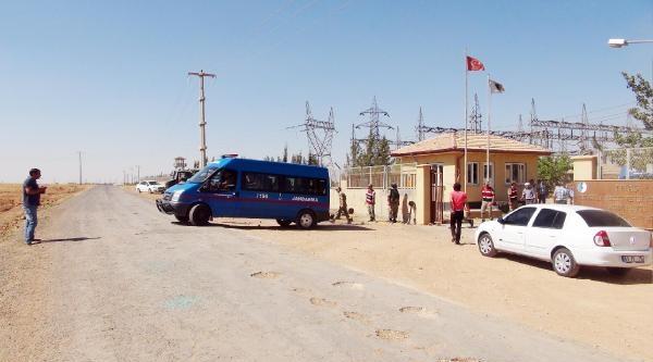 Köylüler Trafo Merkezini Bastı: 2 Asker Yaralandı