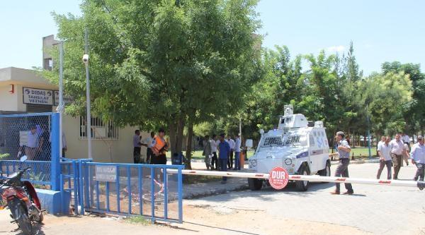 Köylüler Trafo Merkezini Bastı: 2 Asker Yaralandı (2)