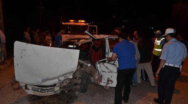 'kozan'da Trafik Kazası: 1 Ölü 4 Yaralı' Fotoğraflar
