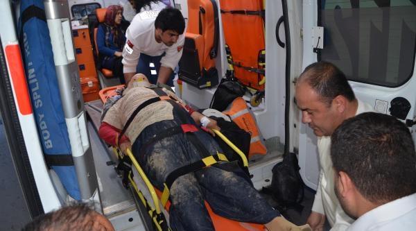 Kozan'da Trafik Kazası: 1'i Ağır 8 Yaralı