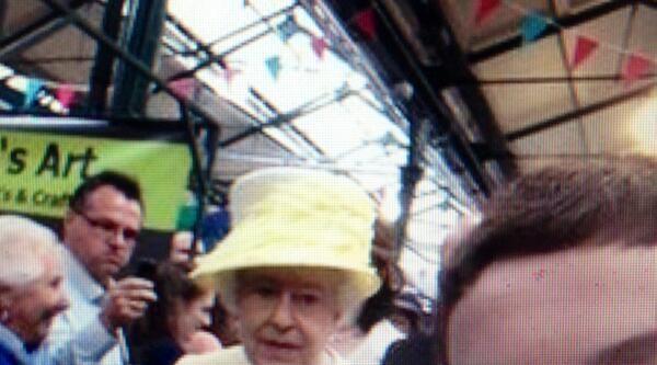 Kraliçe İle Selfıe