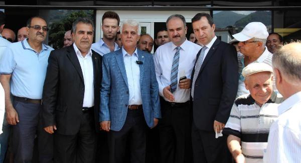 Küçük Aygül'den İhsanoğlu'na 10 Lira Destek