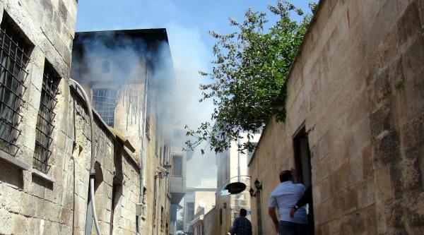 Kullanılmayan Eski Evde Yangın Çikti