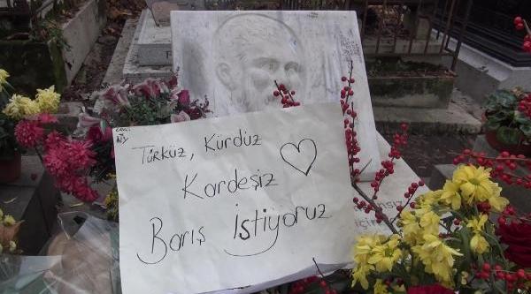 Kültür Ve Turizm Bakani Çelik, Ahmet Kaya Ve Yilmaz Güney'in Mezarini Ziyaret Etti