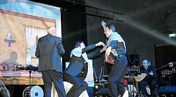 Kültür Ve Turizm Bakanliği Müzikali, Mardin'de Türkçe Ve Kürtçe Sahnelendi