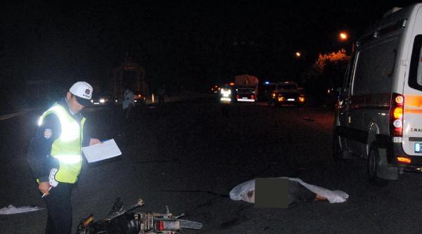 Kumluca'da 2 Kaza: 1 Ölü, 4 Yaralı
