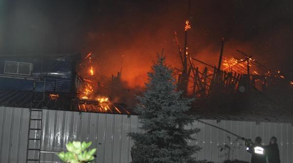 Kurabiye Fabrikasini Ateşe Verdi
