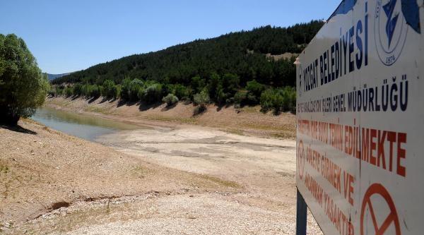 Kuraklık, Göletlerdeki Su Seviyesini Düşürdü