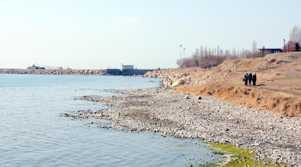 Kuraklık Van Gölünü De Etkiledi