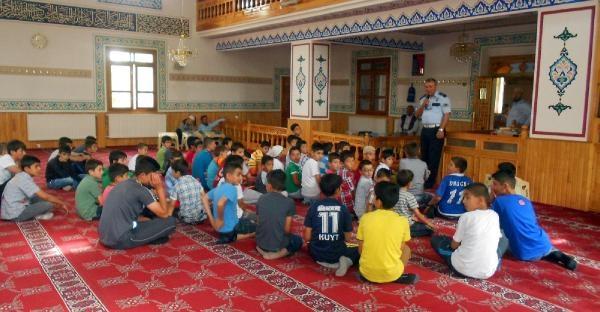 Kuran Kursu Gören Çocuklara Trafik Eğitimi