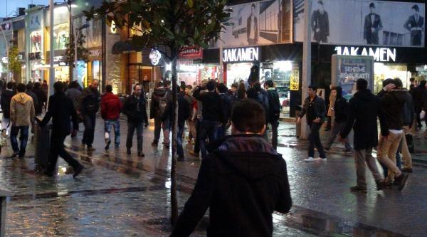 Kürkçü'ye Adapazarı'nda Taşlı Protesto