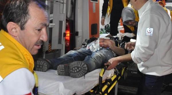 Kütahya'da Biçakli Kavga: 2'si Kardeş 4 Yarali