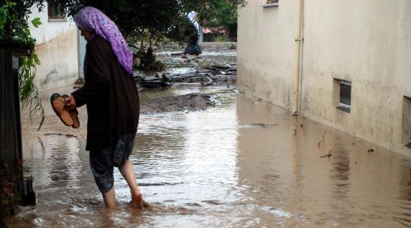 Lapseki'yi Sağanak Yağmur Vurdu - Ek Fotoğraflar