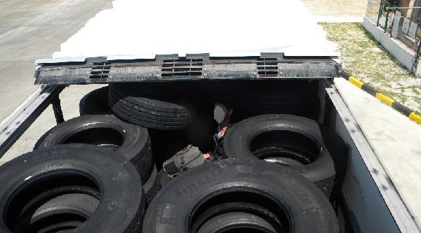 Lastiklerin Arasında Kaçak Yakalandı