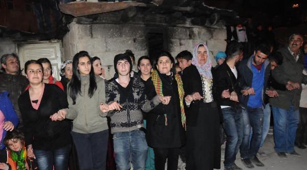 Leyla Zana'ya Hakkari'de Çoşkulu Karşılama