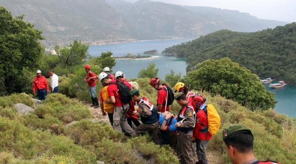 Likya Yolu'nda Ayak Bileği Burkulan Turisti Akut Kurtardı