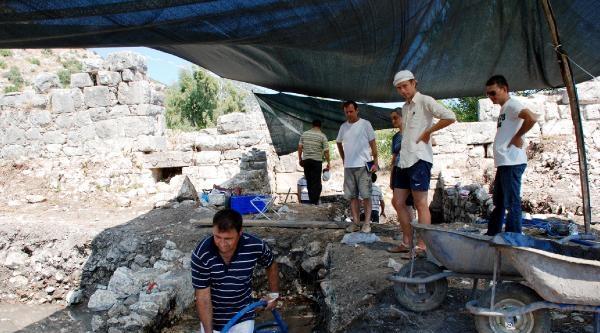 Lımyra Antik Kent'te Kazı Programı Belirlendi
